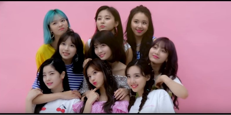 vídeo musical de Be as ONE, TWICE